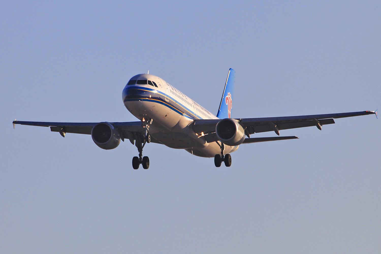 南航开通哈尔滨=武汉=三亚往返航班